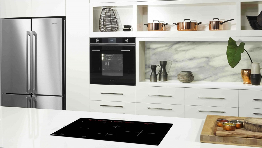 Smeg-Black-Linear-with-SAI95-induction-interiors-addict.jpg